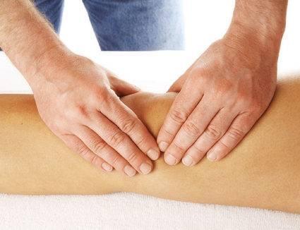 Единственный отличительный симптом – при артрозе в колене присутствует характерный хруст