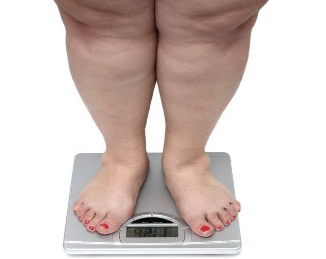 Большой вес пагубно влияет на организм и притягивает такие болезни как подагра