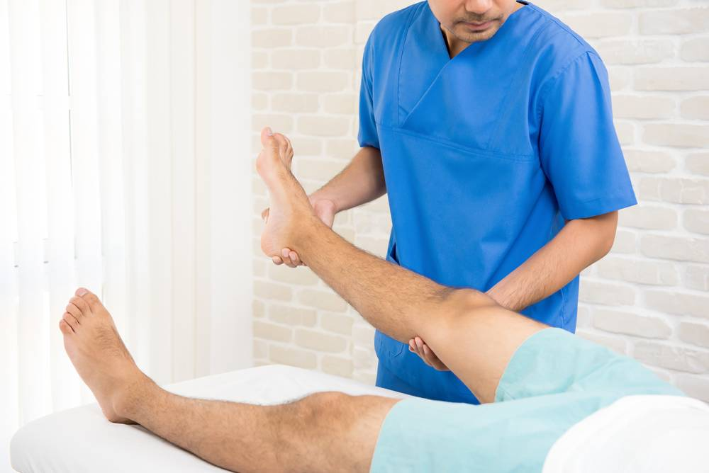 почему болит нога после замены тазобедренного сустава