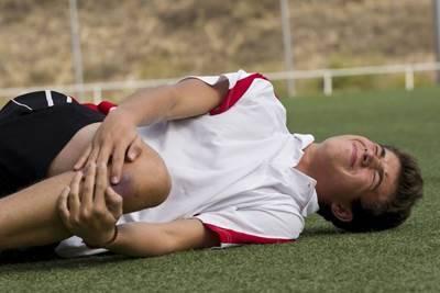 ребенок жалуется на боль в колене, почему у ребенка болят колени