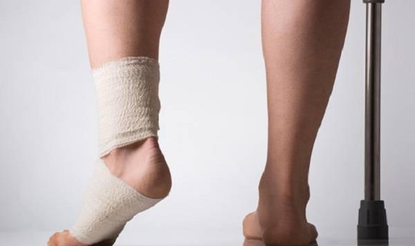 хромота с шарканьем ног