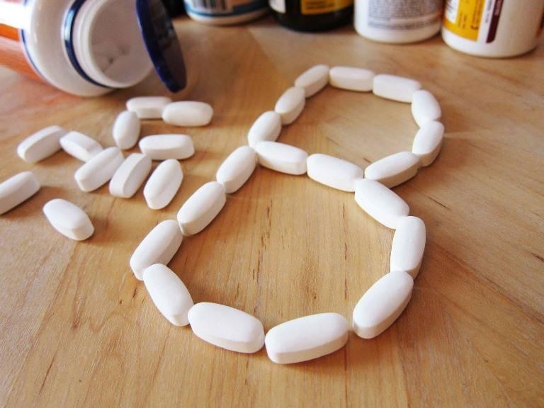 Даже обычный прием витаминов и пищи содержащей В витамины улучшит состояние суставов