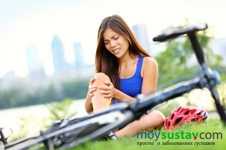 Боли в коленях могут быть симптомом неприятного заболевания