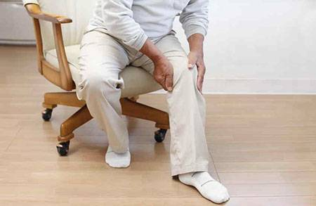 Причины боли и хруста в коленях