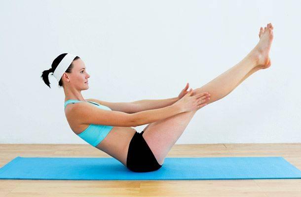Поза стимулирует кровообращение и укрепляет мышцы таза