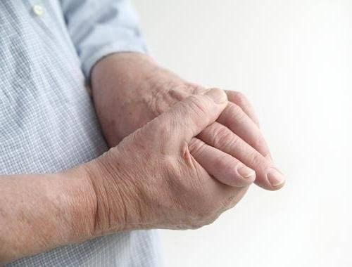боль в суставах в пальцах